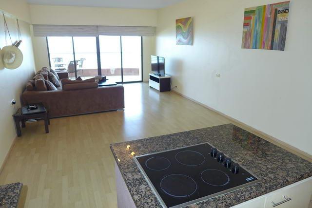 Jomtien Metro Condo zum Verkauf, 111 qm, 1 Schlafzimmer, 2 Bader, europaische Kuche, voll mobliert, Meerblick, Balkon, Fremdbesitz,