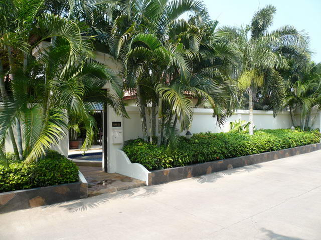 Jomtien Beach, View Talay Pool Villa for Sale, Fiv..