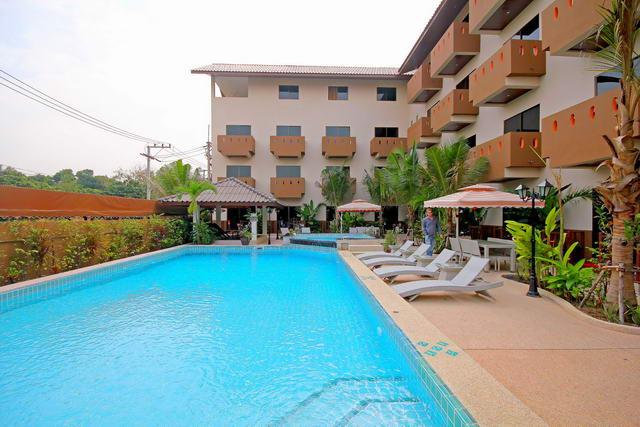 South Pattaya Resort Hotel zum Verkauf, Grundstucksgrosse 1.600 m2, Wohnflache 2.500 m2, 48 Zimmer, Pool, Whirlpool, Restaurant, Massage