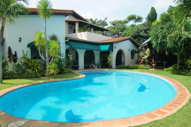 East pattaya spanish style luxury pool villa for sale for What is swimming pool in spanish