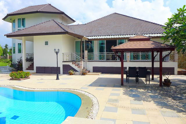 Na Jomtien Detached Luxury Pool Villa for Sale, se..
