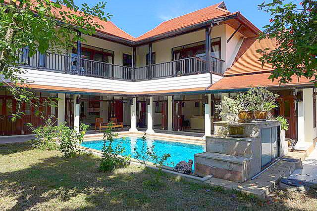 East Pattaya Thai Bali House for Sale Swim Pool