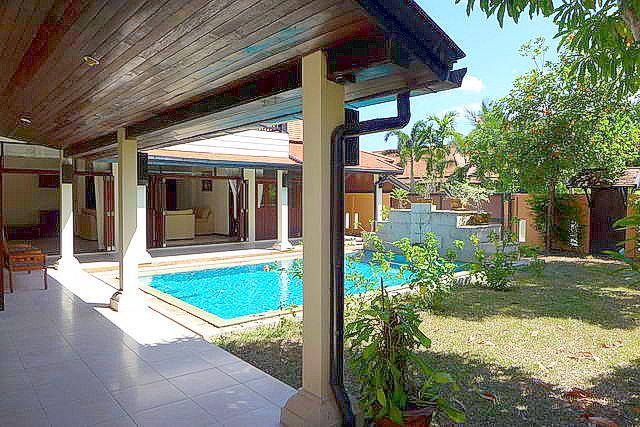 East Pattaya Thai Bali Pool House