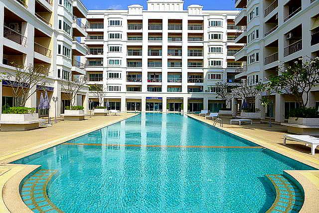 Jomtien, Thepprasit Platinum Suites Condo for Sale Corner