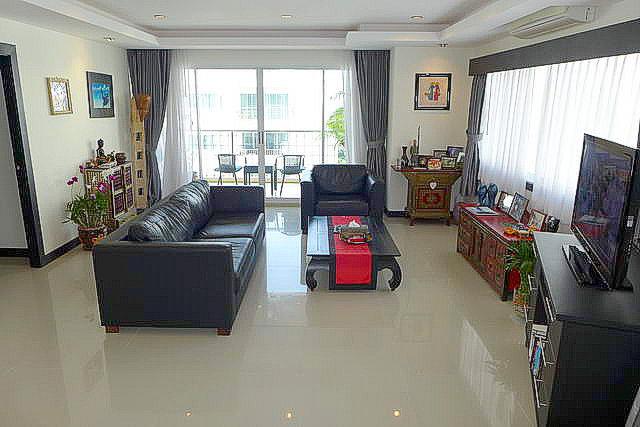open plan living room full furnished