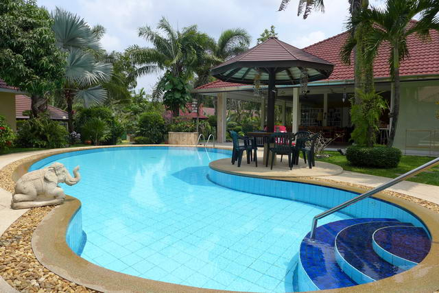 Beautiful Pool Villa, Wondeful Natural Mature Tropical Oasis