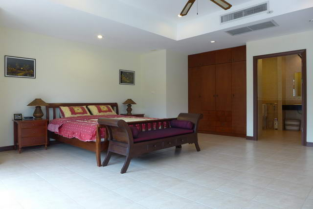 House & East Pattaya, Soi Siam Country Club