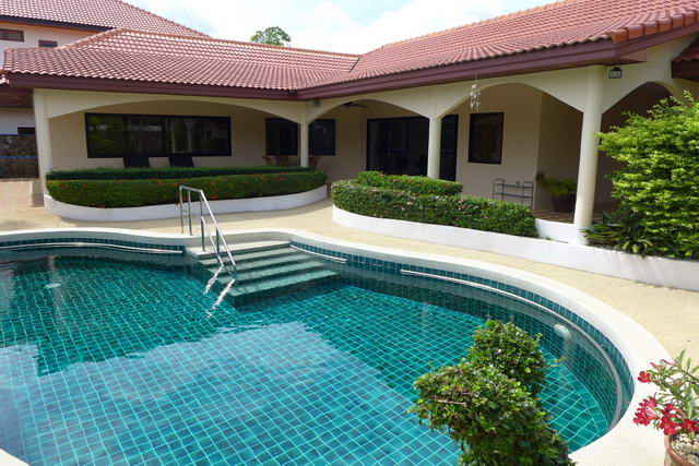 East Pattaya Pool Villa for Sale, Complete Wheelch..