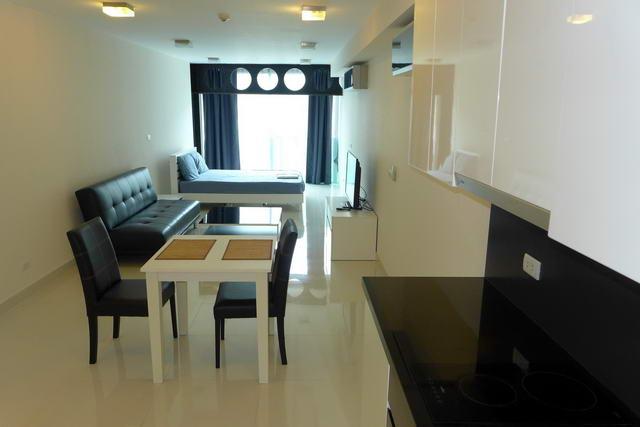 New Park Royal 2 Condo zum Verkauf, Studio-Suiten, 43, 45 und 47 m2, sofort bezugsfertig, voll ausgestattete Kuche, Euro-Kuche, nur 5 Minuten zu Fuss zur St. Street und Pattaya