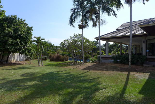 East Pattaya Mountain View Residence Pool Villa fo..