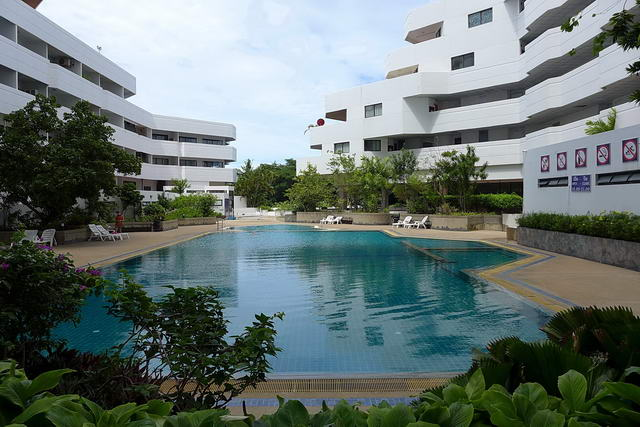 Jomtien Beach Paradise Condo for Sale, End Corner ..