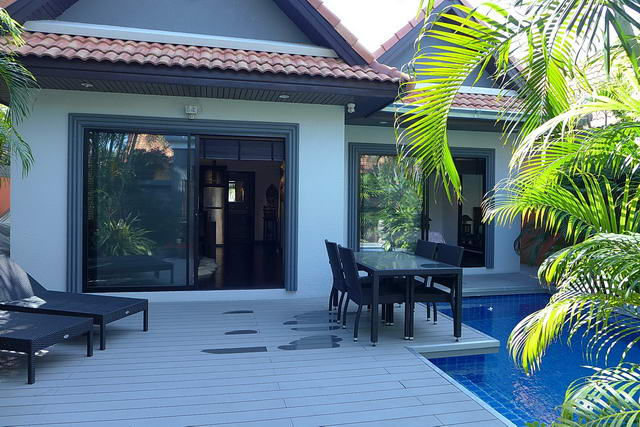 Jomtien Beach, View Talay Pool Villa for Sale