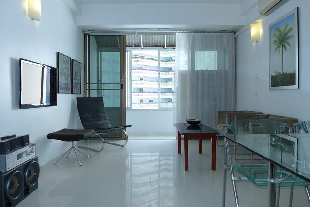 Siam Penthouse Condo zum Verkauf, Direkt am Strand, 53 qm, hohe Etage, 1 Schlafzimmer, 1 Badezimmer, Kochnische, voll mobliert, 2 Balkone , Auslandischer Besitz