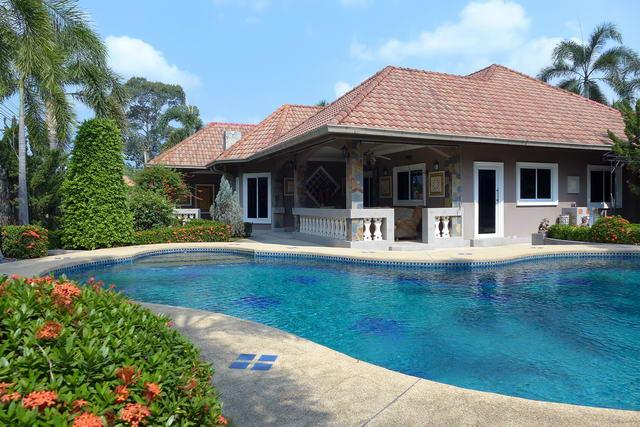 Nongpalai Pool Villa Tropical Garden