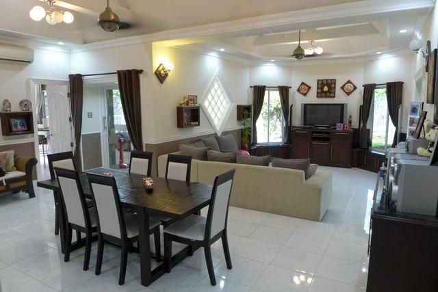 House & Nongpalai - Wat Nong Ket Noi