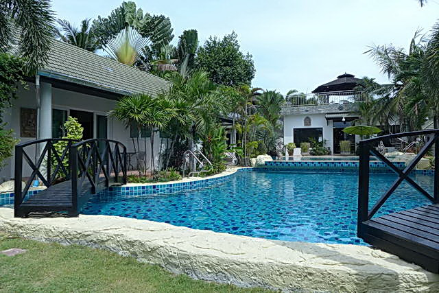 House for sale in Phoenix Golf and Country Club, Huay Yai, Na Jomtien
