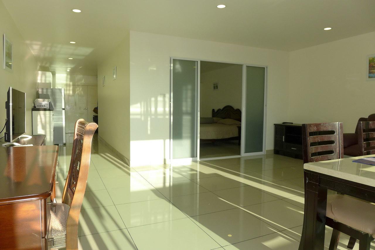 Condominium & Phratamnak Pattaya Hill,