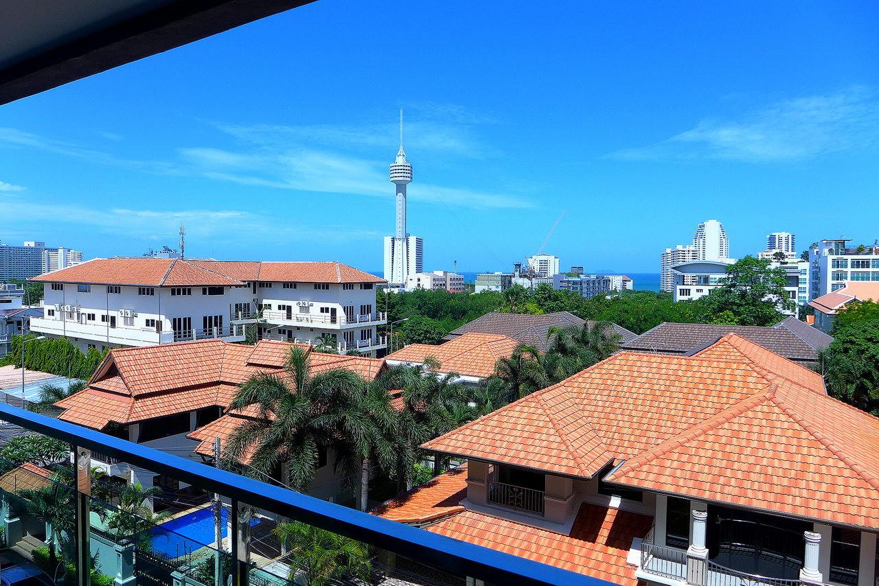Condominium for sale in Phratamnak Pattaya Hill,