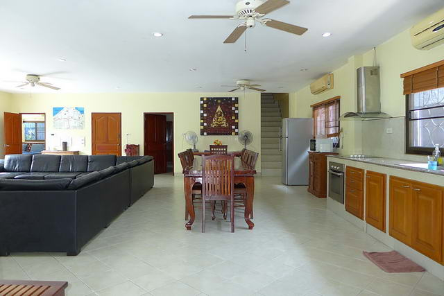 Open plan living room Pattaya House for Sale