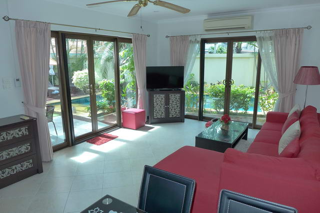 Jomtien Beach House for Sale Living Room