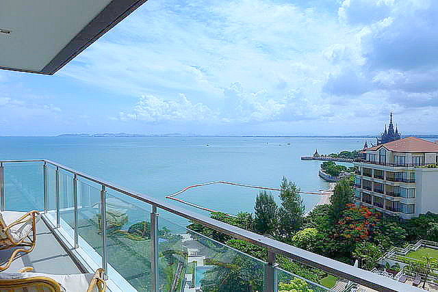 Baan Plai Haad Wong Amat Absolute Beachfront Condo..