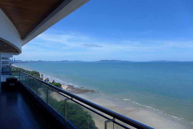 Pattaya Dong Tarn Beach Baan Had U Thong Condo for Sale