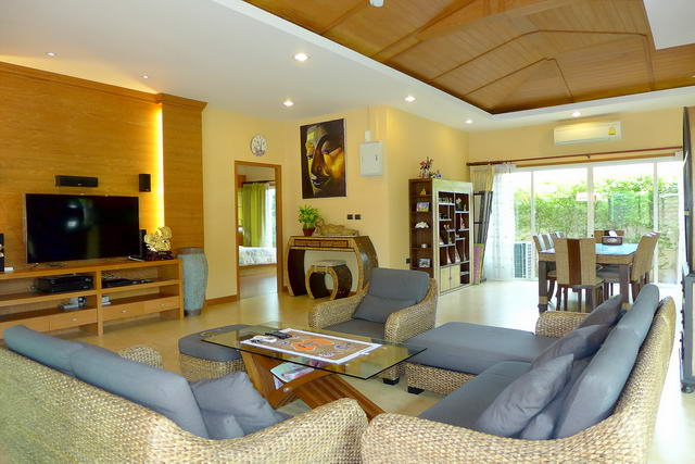 Pattaya Baan Balina Modern Pool Villa for Sale