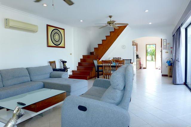 Jomtien House for Sale Open Plan Living Lounge