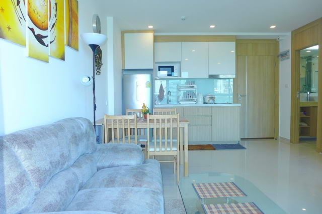 Wong Amat Condo for Sale Open plan living room