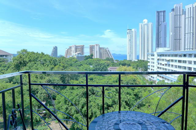 Condominium for sale in Naklua, Wong Amat Beach
