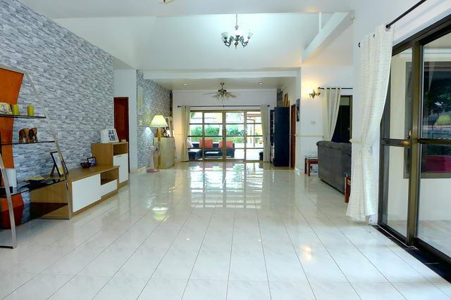 Pattaya, Nongpalai, Detached Pool Villa for Sale