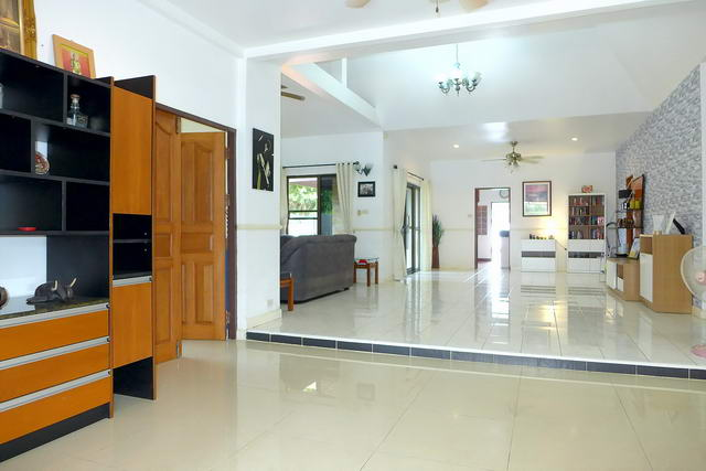 Pattaya House for Sale Living Room