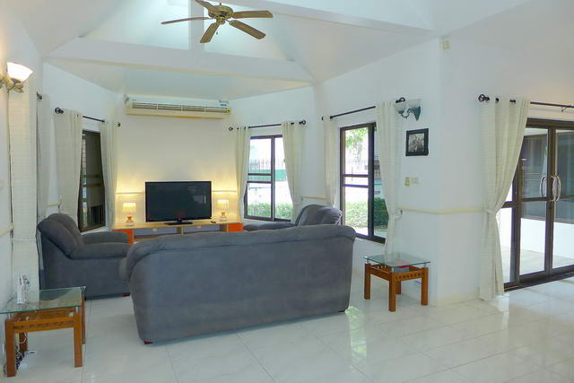 House for Sale Pattaya Lounge Room