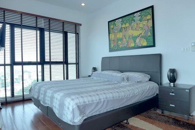 Condominium & South Pattaya, Thappraya Road, Phratamnak Hill