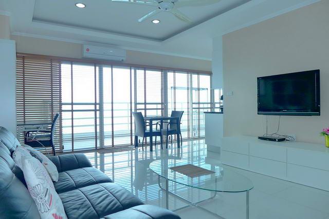 Jomtien Condo for Sale Living Room