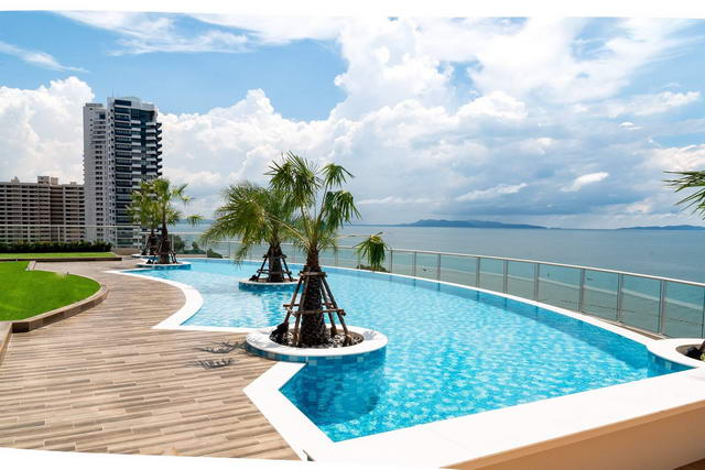 Condominium for sale in Phratamnak, Dong Tarn Beach