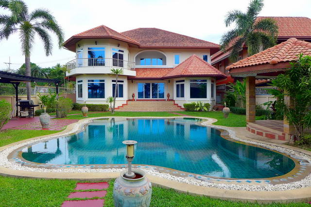 East Pattaya, Mabprachan Reservoir Lake View House for Sale