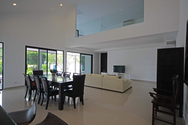 Pattaya House for Sale Living Room to Euro Kitchen