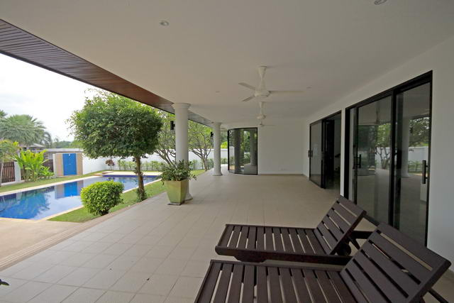 East Pattaya Mountain View Residence Pool Villa fo..