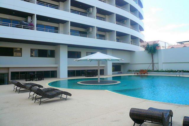Central Pattaya PKCP Condo for Sale, Corner unit, ..