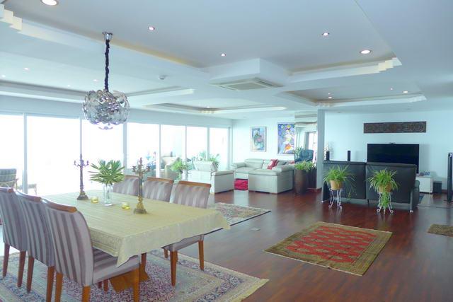 Wong Amat Beach Saranchol Luxury Condo