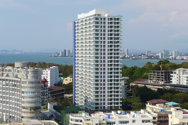 Cosy Beach, Cliff Condo for Sale Corner Unit
