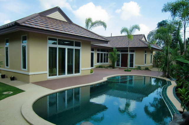 Huay Yai Villa Amaliya Modern Thai Bali Pool Villa for Sale