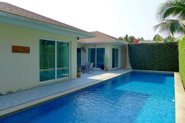East Pattaya Pong Vineyard 3 Modern Pool Villa For Sale