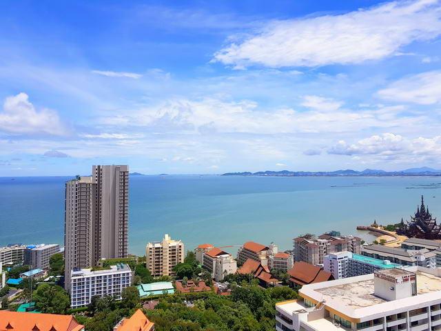 Riviera Wong Amat Condo, privater Verkauf, Obergeschoss, 35 qm, 1 Schlafzimmer, 1 Badezimmer, europaische Kuche, voll mobliert, Balkon, Meerblick, auslandischer Besitz