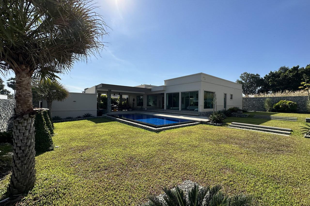 Plantation Estate Moderne Thai Bali Luxus-Pool-Villen zum Verkauf, Grundstucksgrosse 816 bis 820 qm, Wohnflache 224 qm, 3 Schlafzimmer, 2/3 Bader, Euro-Kuche, Tropischer Garten, Privater Pool, 24HS, Preis ab * 20.440 M Baht