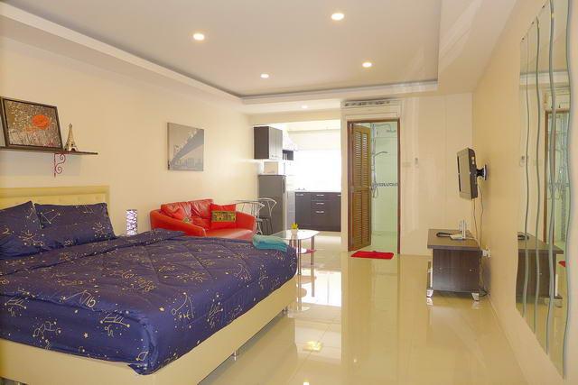 Pattaya Beach Condo, Studio-Suite zum Verkauf, 32 qm, europaische Kuche, Badezimmer, voll mobliert, auslandischer Besitz