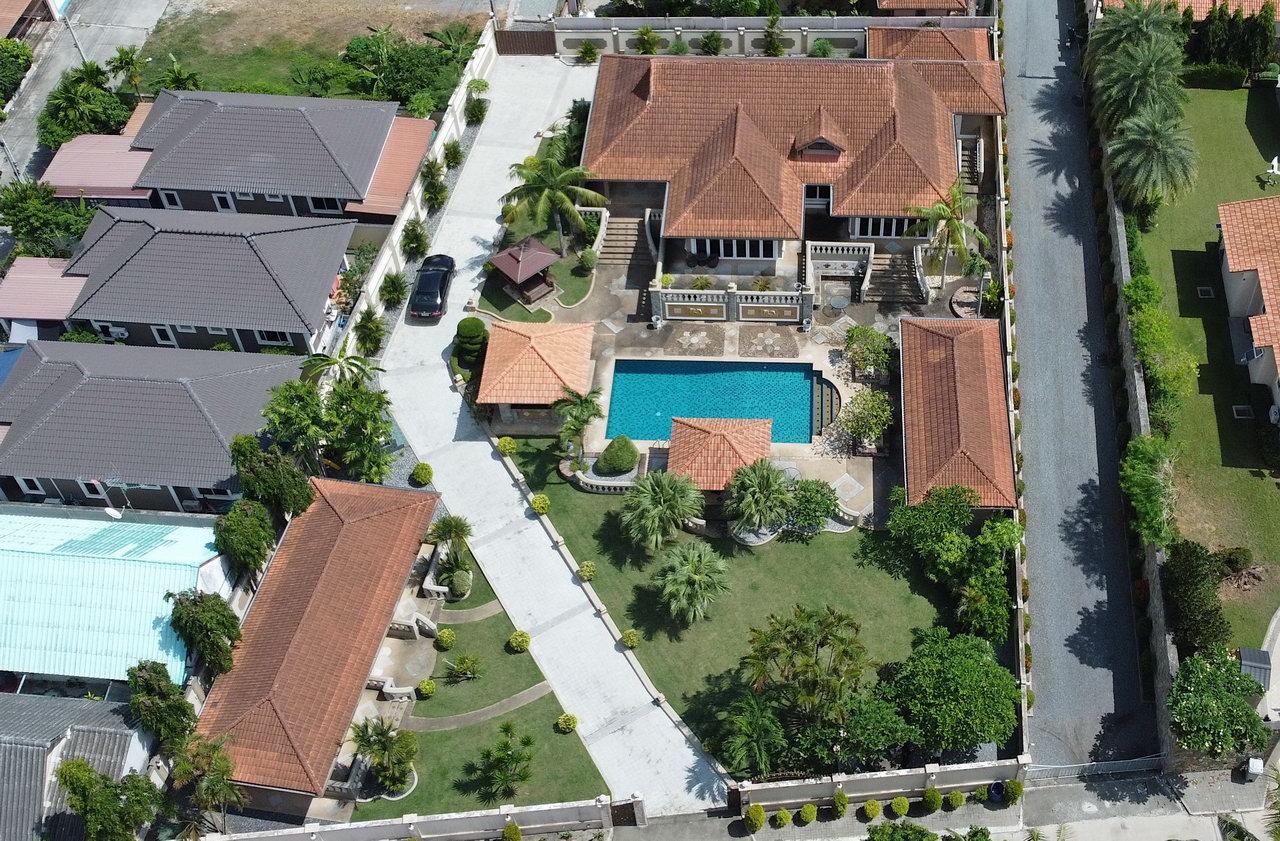 Freistehende Luxus-Poolvilla zum Verkauf, Separate Gastehauser, Grundstucksgrosse 1.600 m2, Wohnflache 370 m2, 7 Betten, 8 Bader, europaische Kuche, voll mobliert, privater Pool, in der Nahe von Hwys 36 und 7