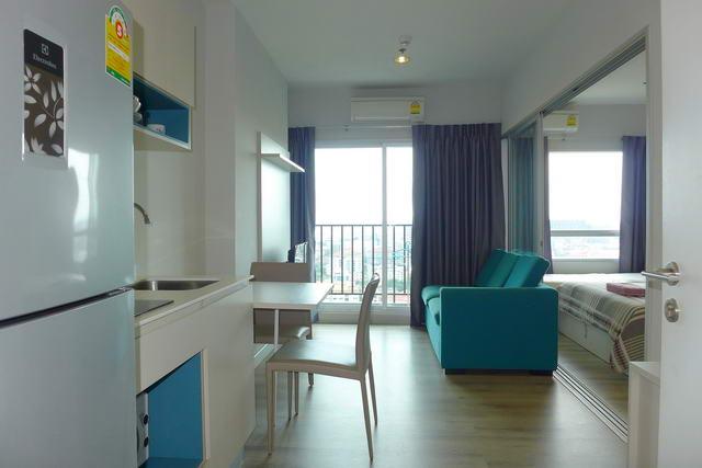 Centric Sea Condo zu verkaufen, hohe Etage, 32 qm, 1 Schlafzimmer, 1 Bad, europaische Kuche, voll mobliert, Balkon, Stadtblick