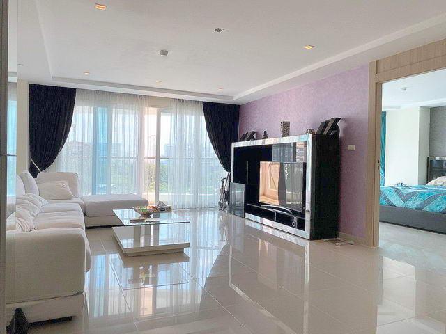 Nova Ocean View Condo zum Verkauf, 105 qm, 2 Schlafzimmer, 2 Bader, europaische Kuche, voll mobliert, erstklassig gepflegt, Balkon, Stadt- und Teilmeerblick, auslandischer Besitz